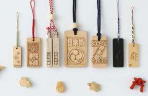 木札や彫り札は、文字をオーダーで入れることができます。