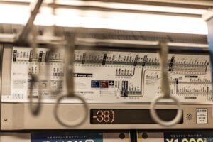 電車内の路線図