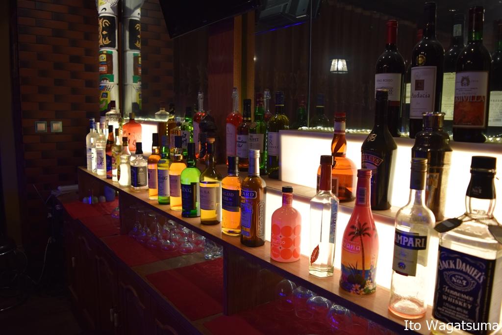 洋酒やワイン、カクテルなどを飲むことができる大連のバー